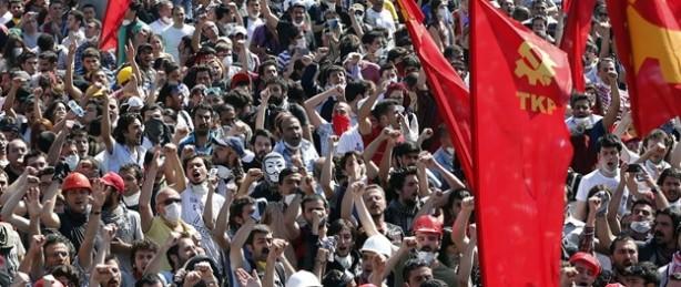 turquia-manifestantes-plaza-taksim